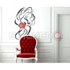Fata cu Trandafir in Par