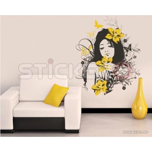 Fata cu Flori in Par